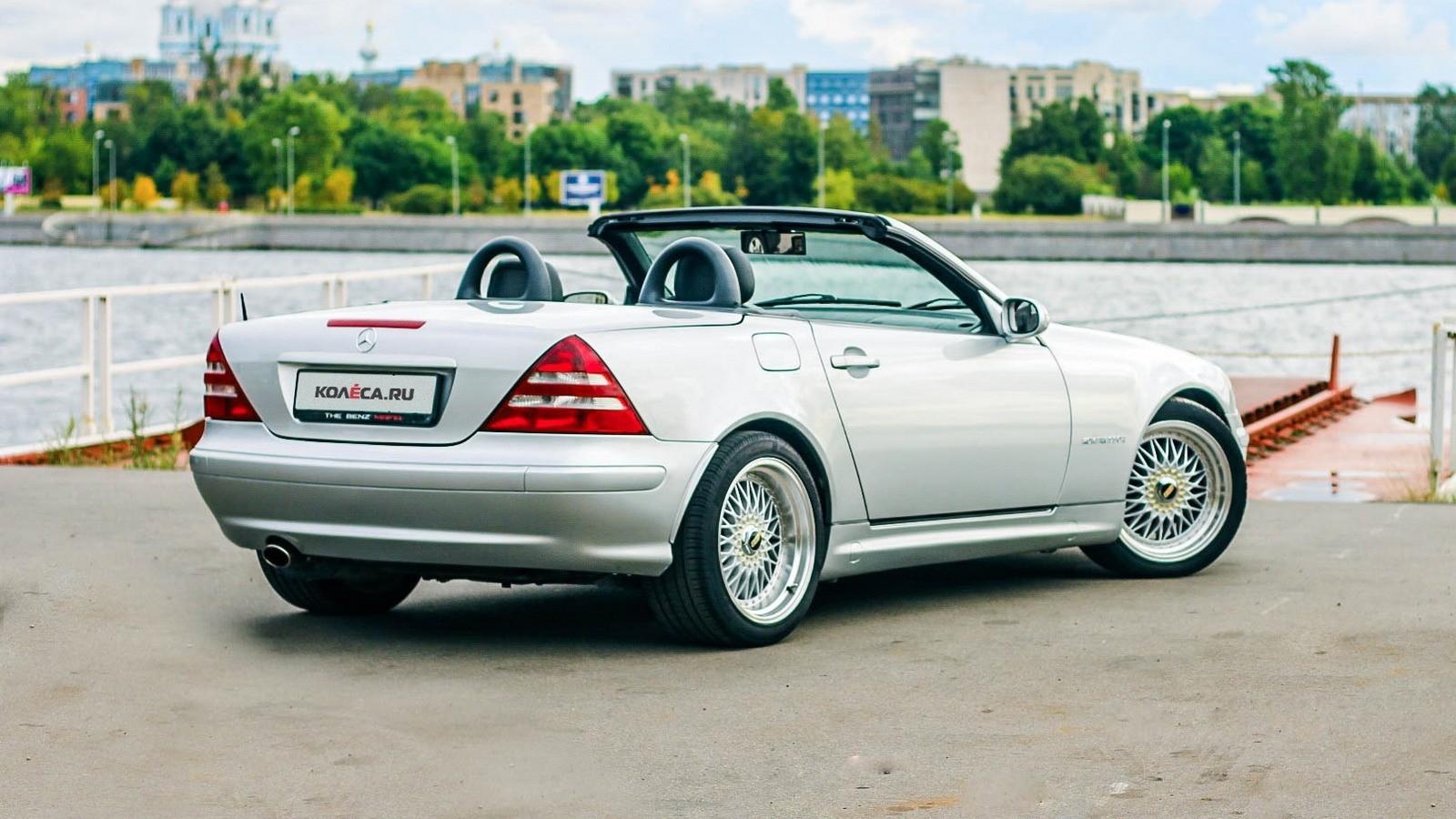 Mercedes-Benz SLK сзади (1)
