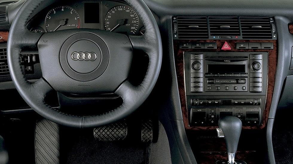 Торпедо Audi A8 4.2 quattro (D2) '1999–2002