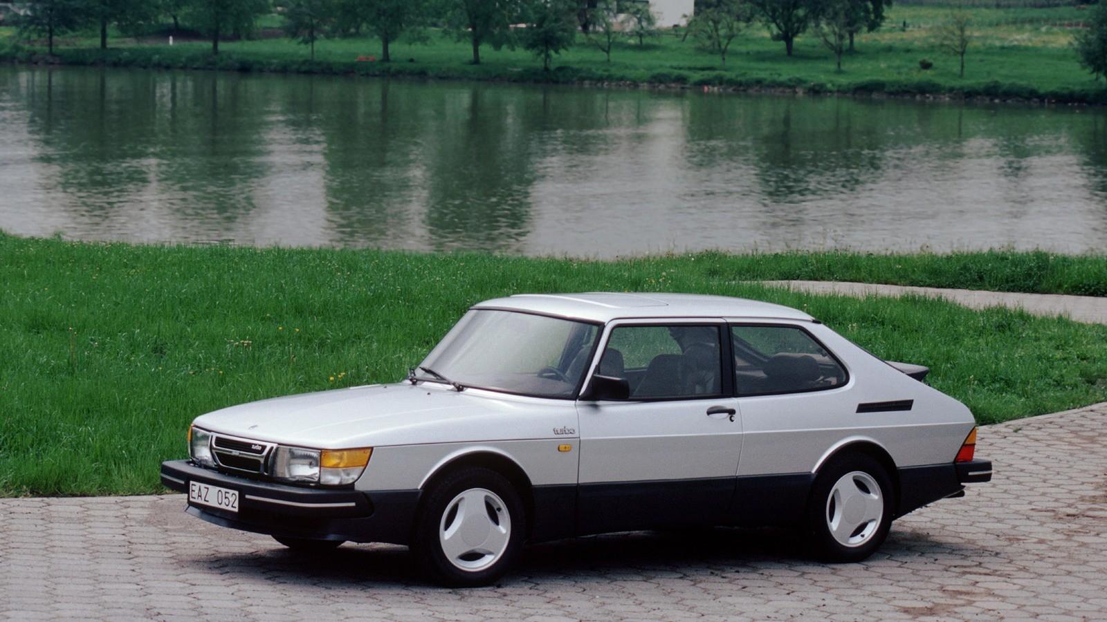 На фото: Saab 900 Turbo '1980–87