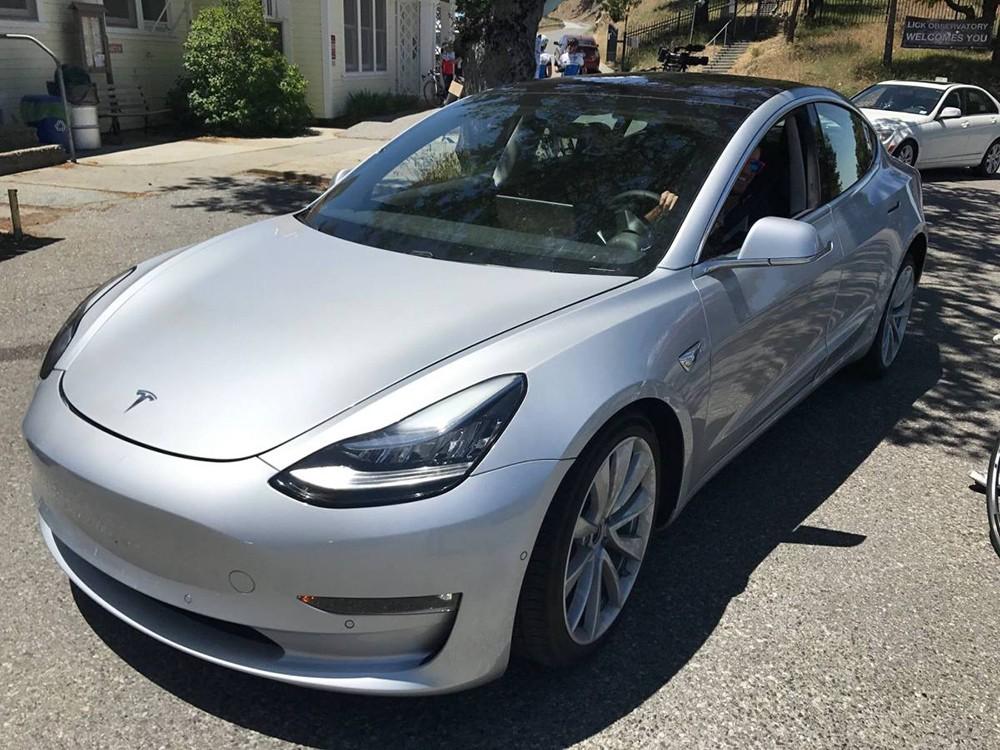 Tesla-Model-3-Spied-2