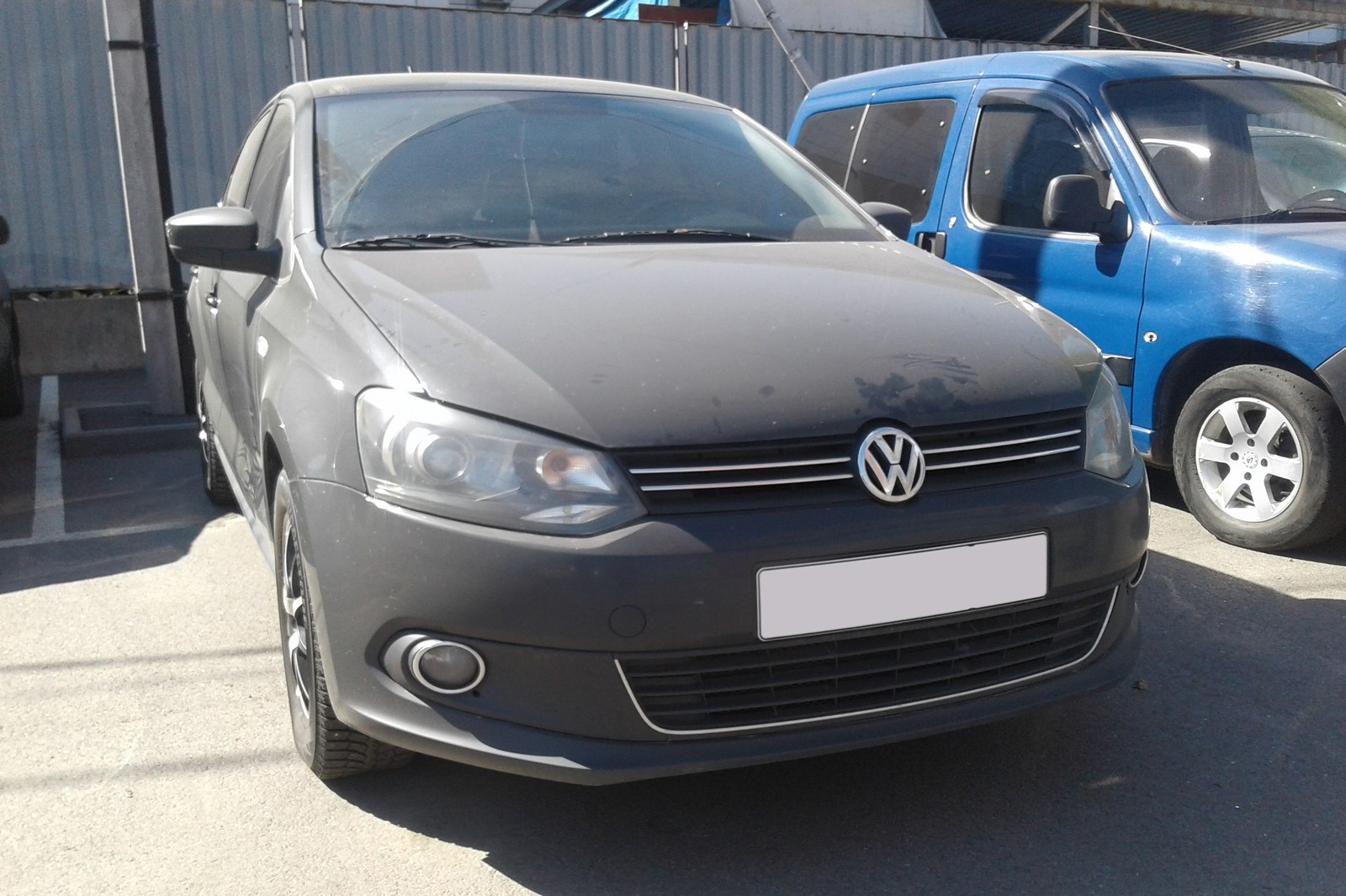 Volkswagen Polo Sedan черный