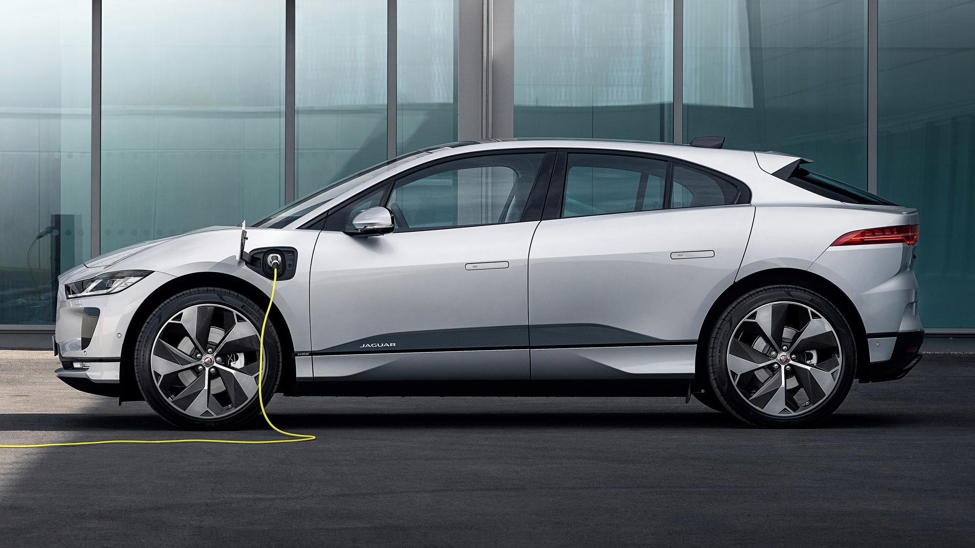 Jaguar лихорадит: полная перезагрузка, отказ от почти готовых новинок и чужая платформа