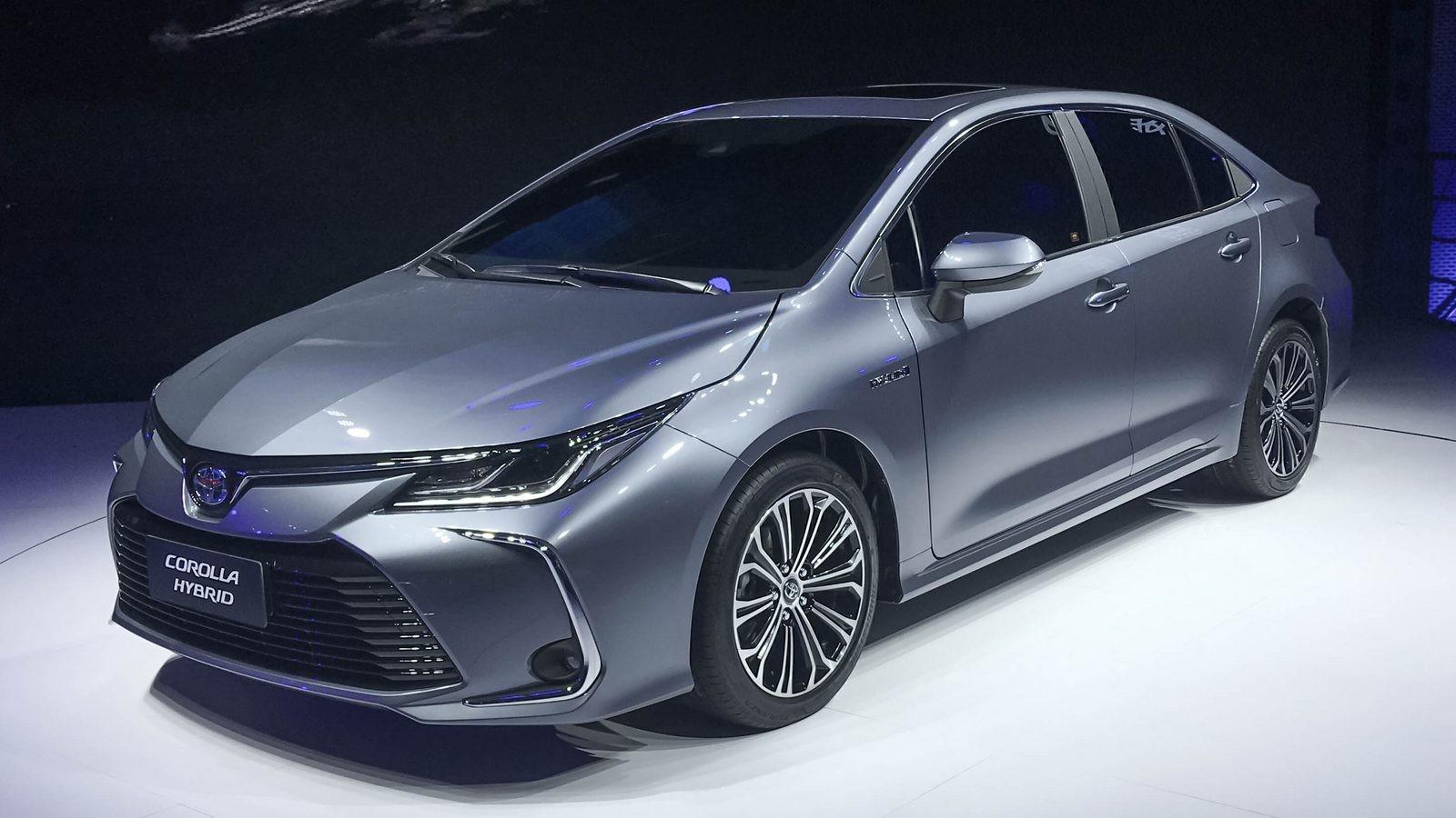 Toyota Corolla три четверти (1)