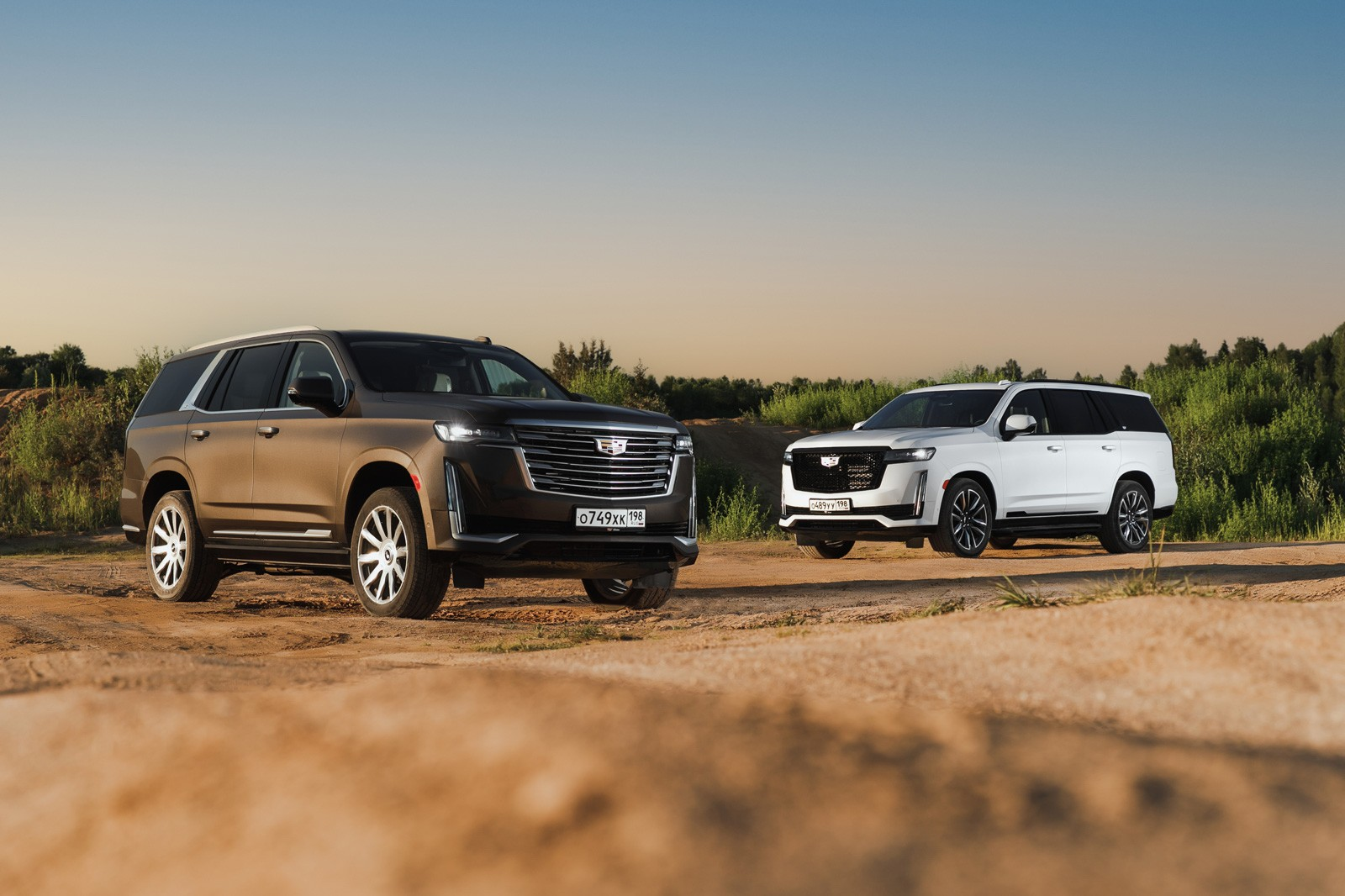 Изогнутый дисплей, 10 ступеней АКП и 6,6 секунды до 100: тест обновлённого Cadillac Escalade