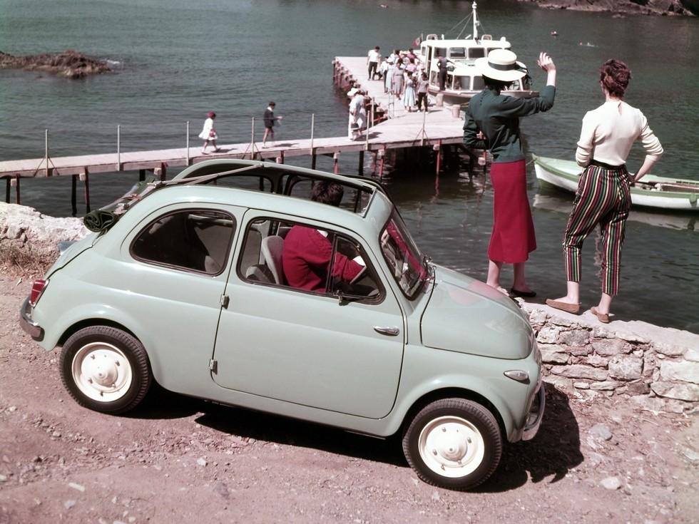 На фото: Fiat 500. Италия, 1957
