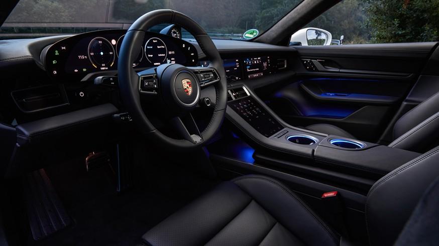 Оставшийся прибыльным даже в кризис Porsche вынужден задержать универсал Taycan