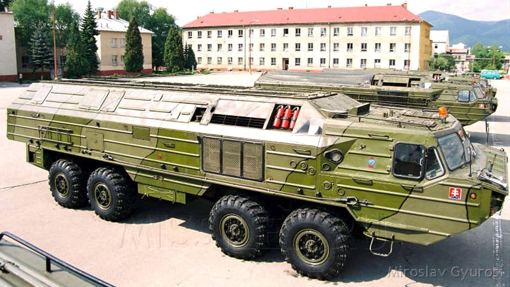 Боевые машины «Ока» 5-го ракетного полка вооруженных сил Словакии (фото M. Gyurosi)