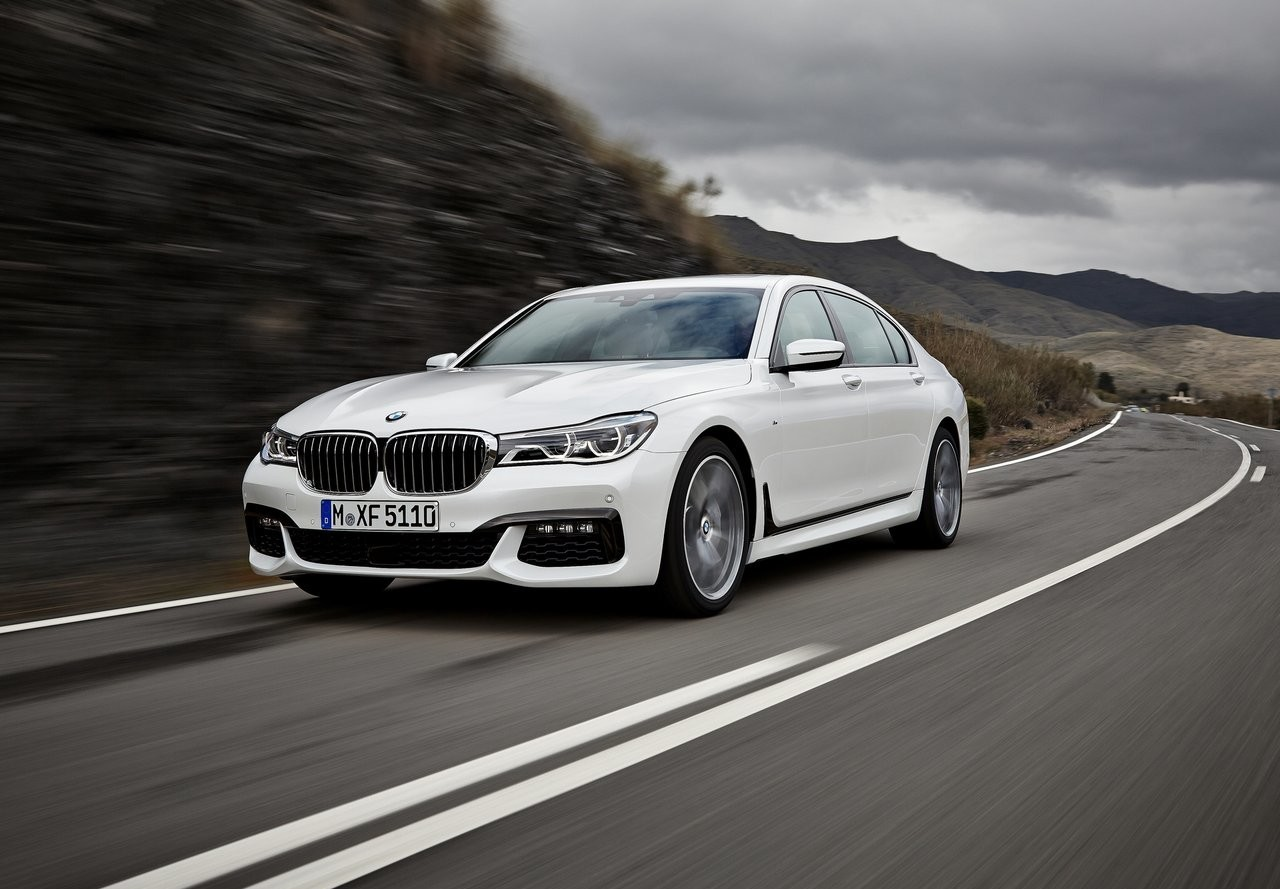 На фото: актуальный BMW 7 Series