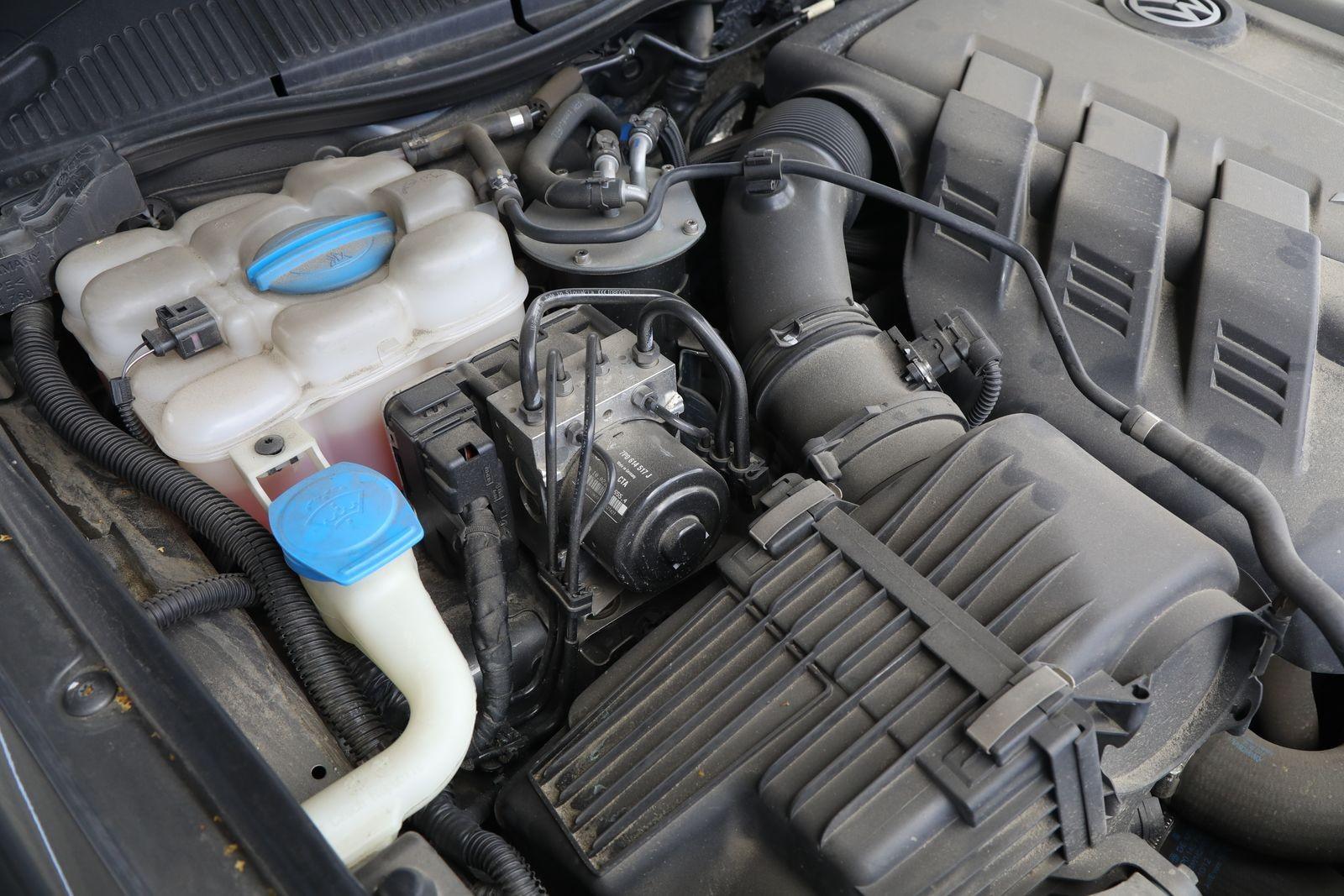 Volkswagen Touareg II (7P) с пробегом: ещё живая пневма, холодный автомат и крепкие V6