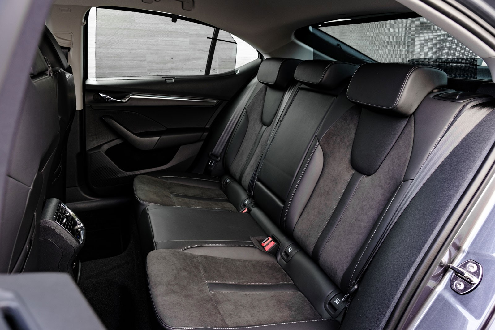 Минус универсал, плюс гидромеханика и не совсем новый кузов: первый тест Skoda Octavia 4