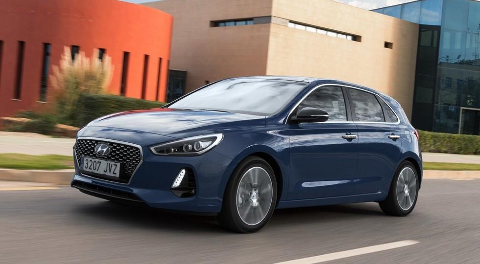 На фото: стандартный Hyundai i30 нового поколения