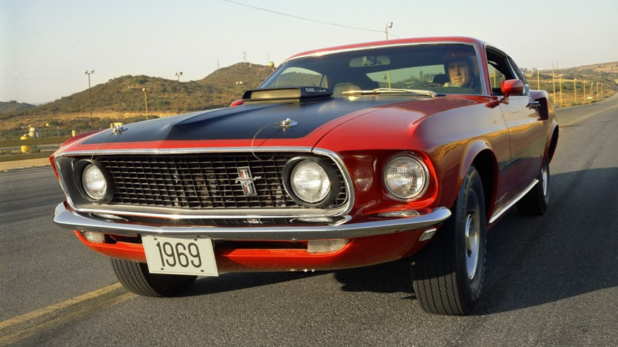 Возрождение в семействе Мустангов: Ford готовит Mustang Mach 1 с 5,0-литровым мотором V8