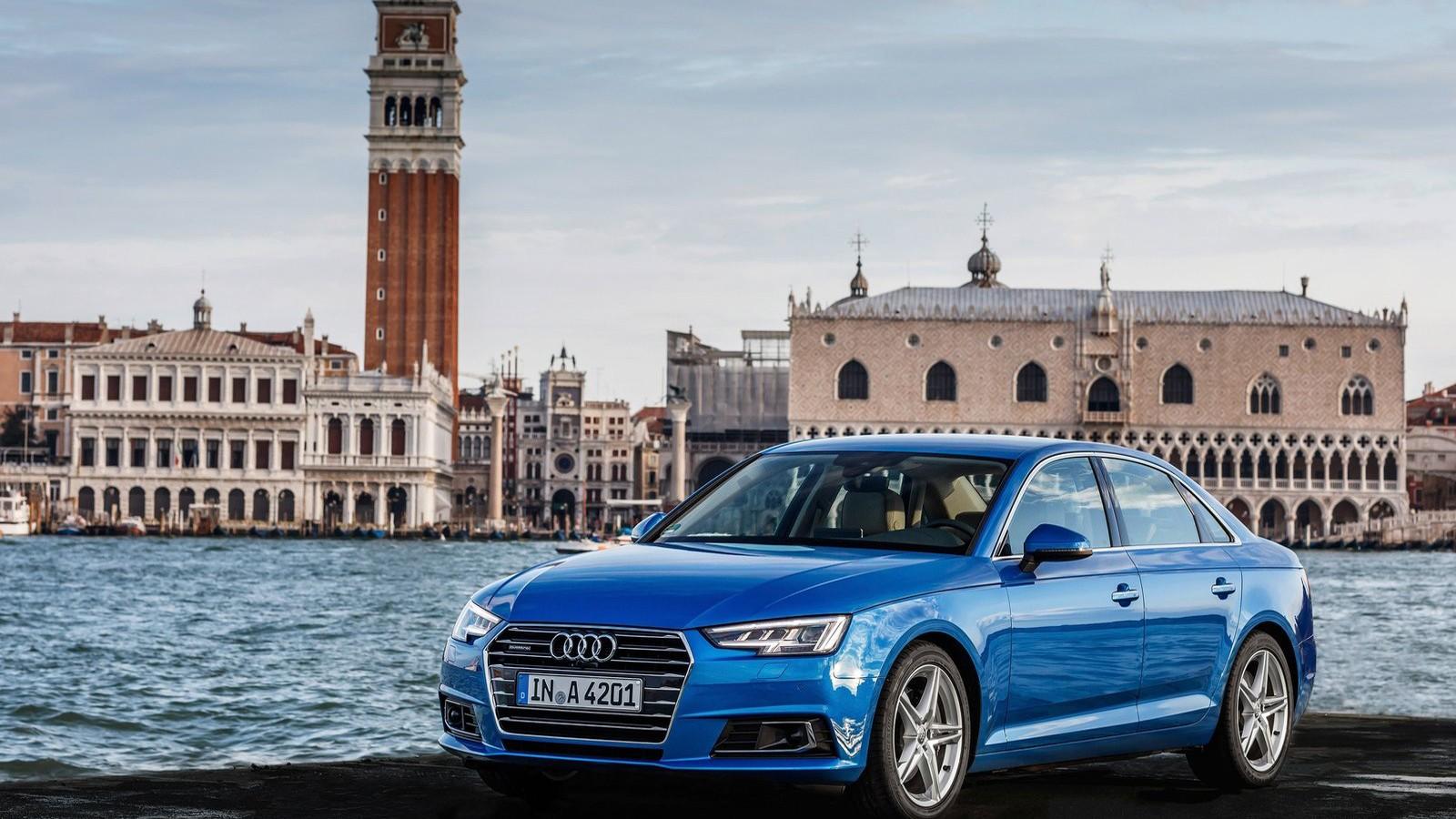 Передняя сторона Audi A4