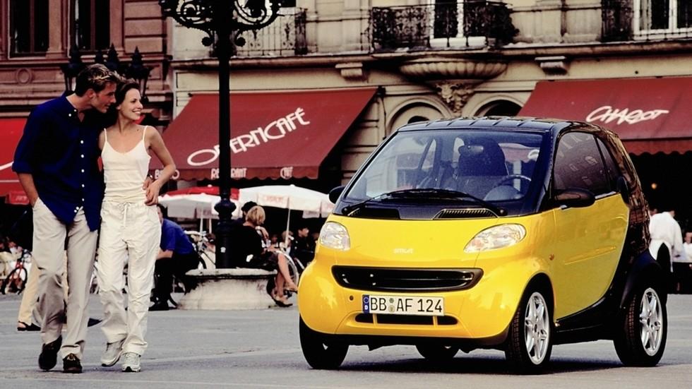 На фото: Smart City Coupe. Германия/Швейцария, 1998