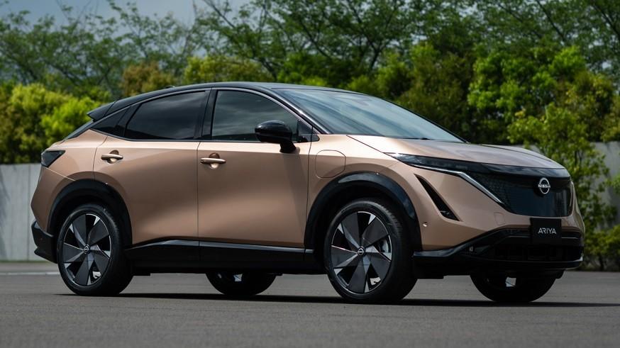 Соперник для Nissan Ariya: Toyota дразнит тизером нового кроссовера