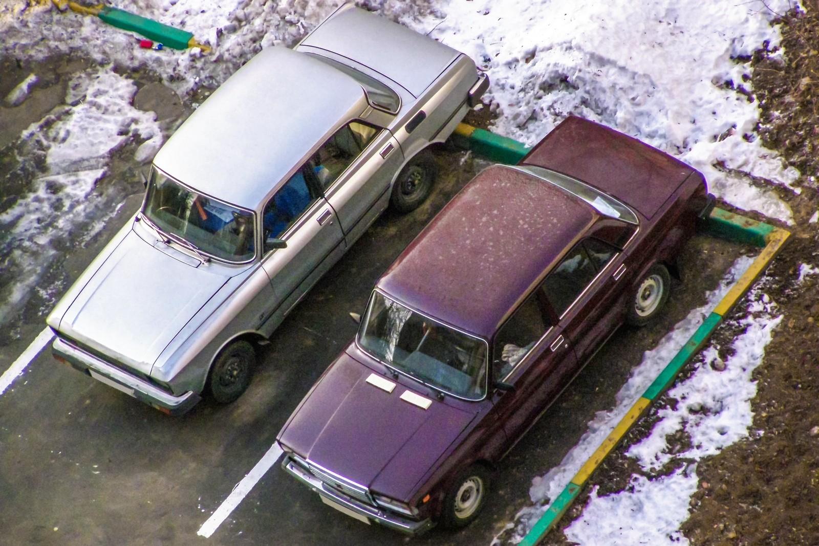 Москвич-2140 и ВАЗ-2107
