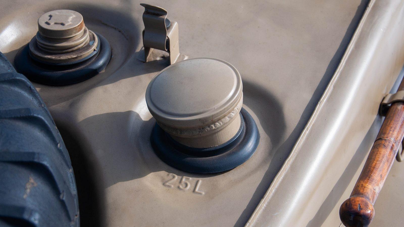 Volkswagen Type 166 Schwimmwagen горловина бензобака