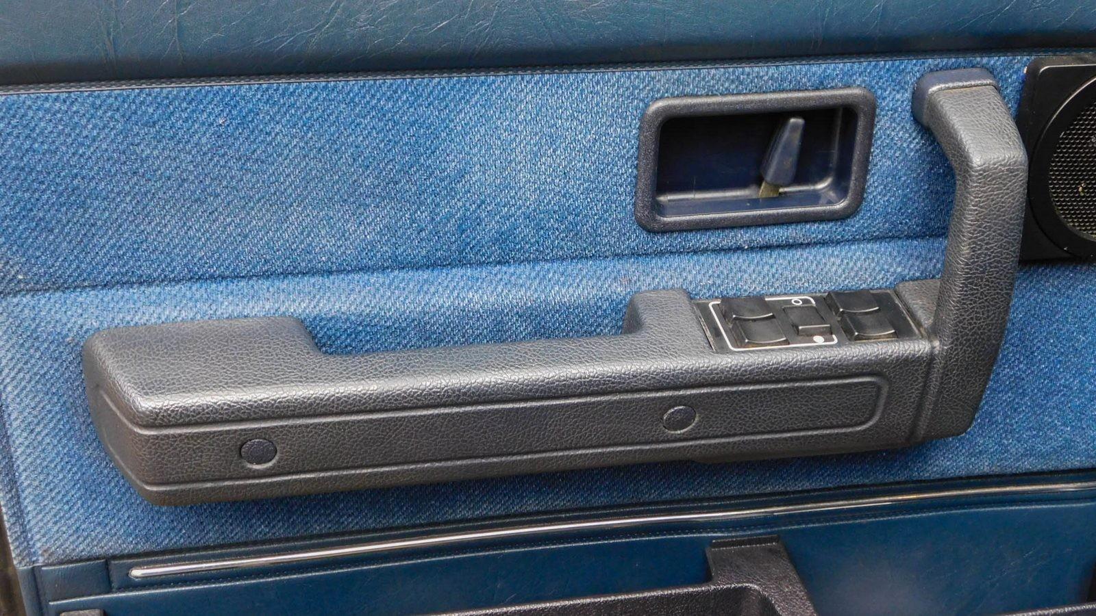 Volvo 240 салон (5)