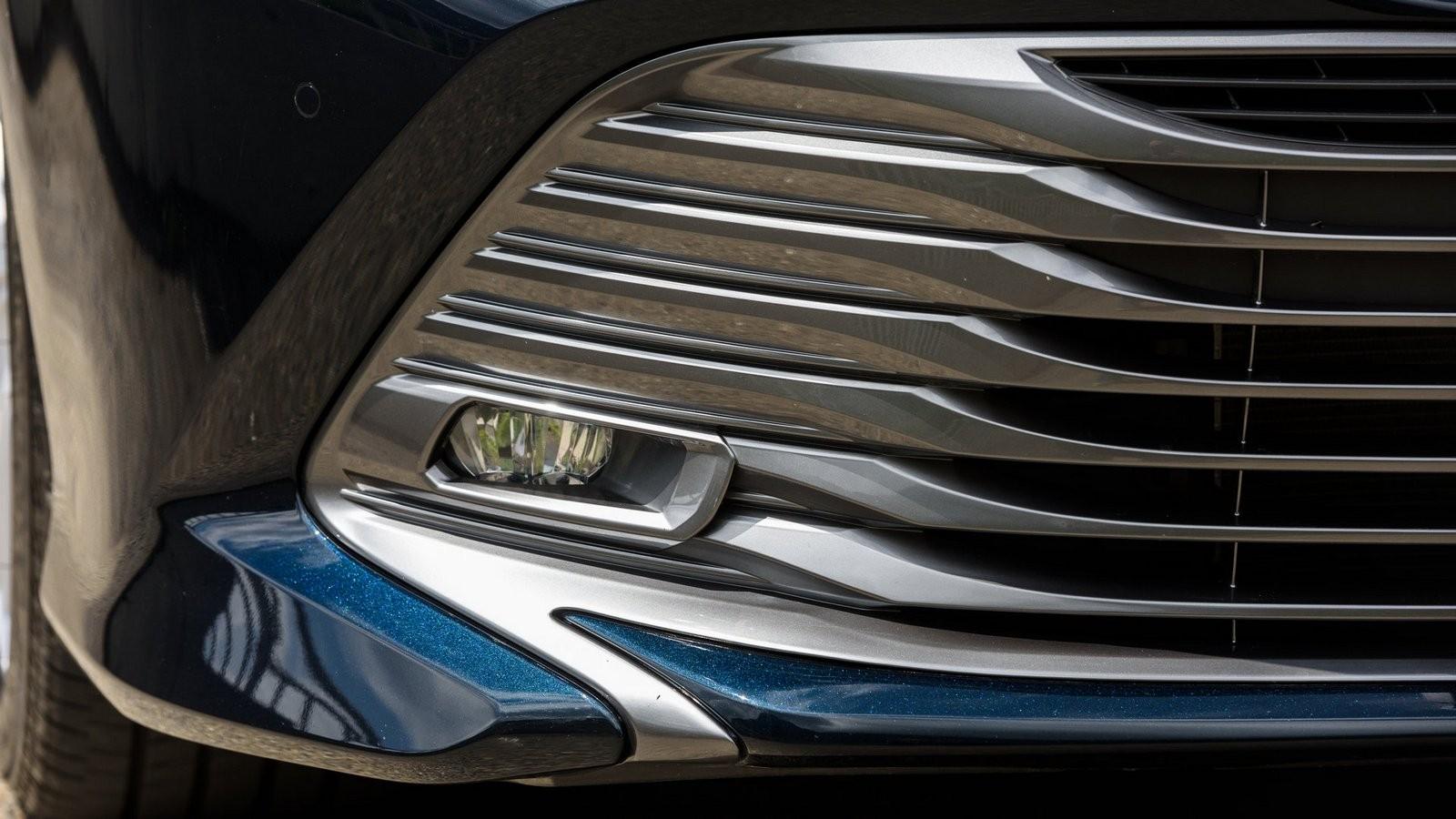 Toyota Camry противотуманка
