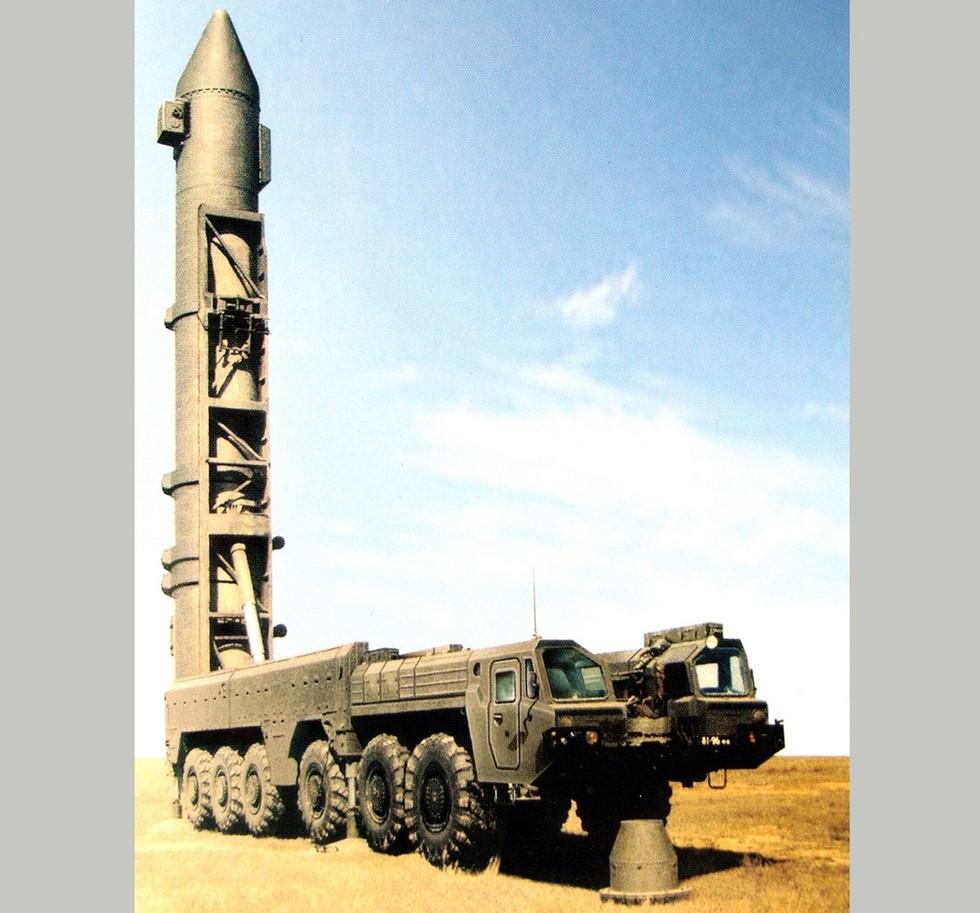 Пусковая установка 15У67 комплекса «Темп-2С» в боевом положении (реконструкция ЦКБ «Титан»)