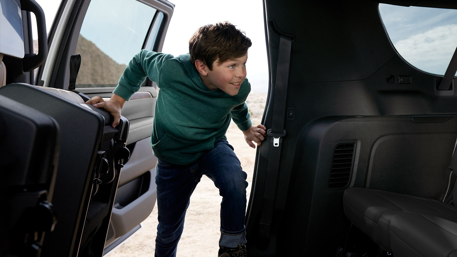 Чёрный хром против ржавчины, идеальная АКП и маловато клиренса: тест нового Chevrolet Tahoe