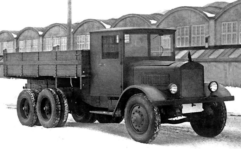 Первый советский тяжелый грузовик ЯГ-10