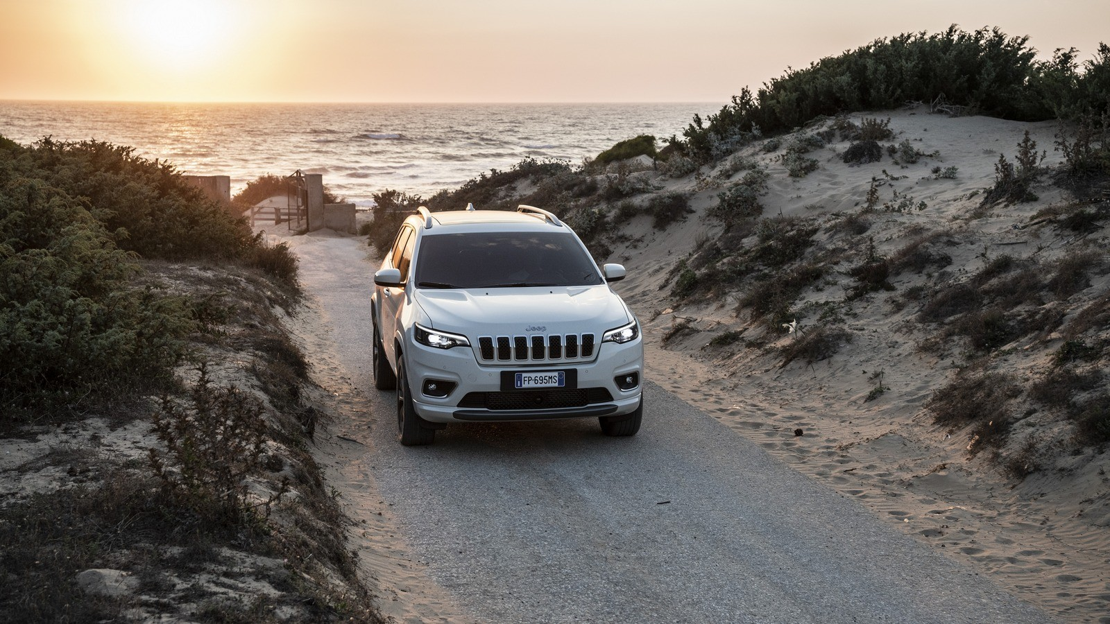 New Jeep Cherokee спереди