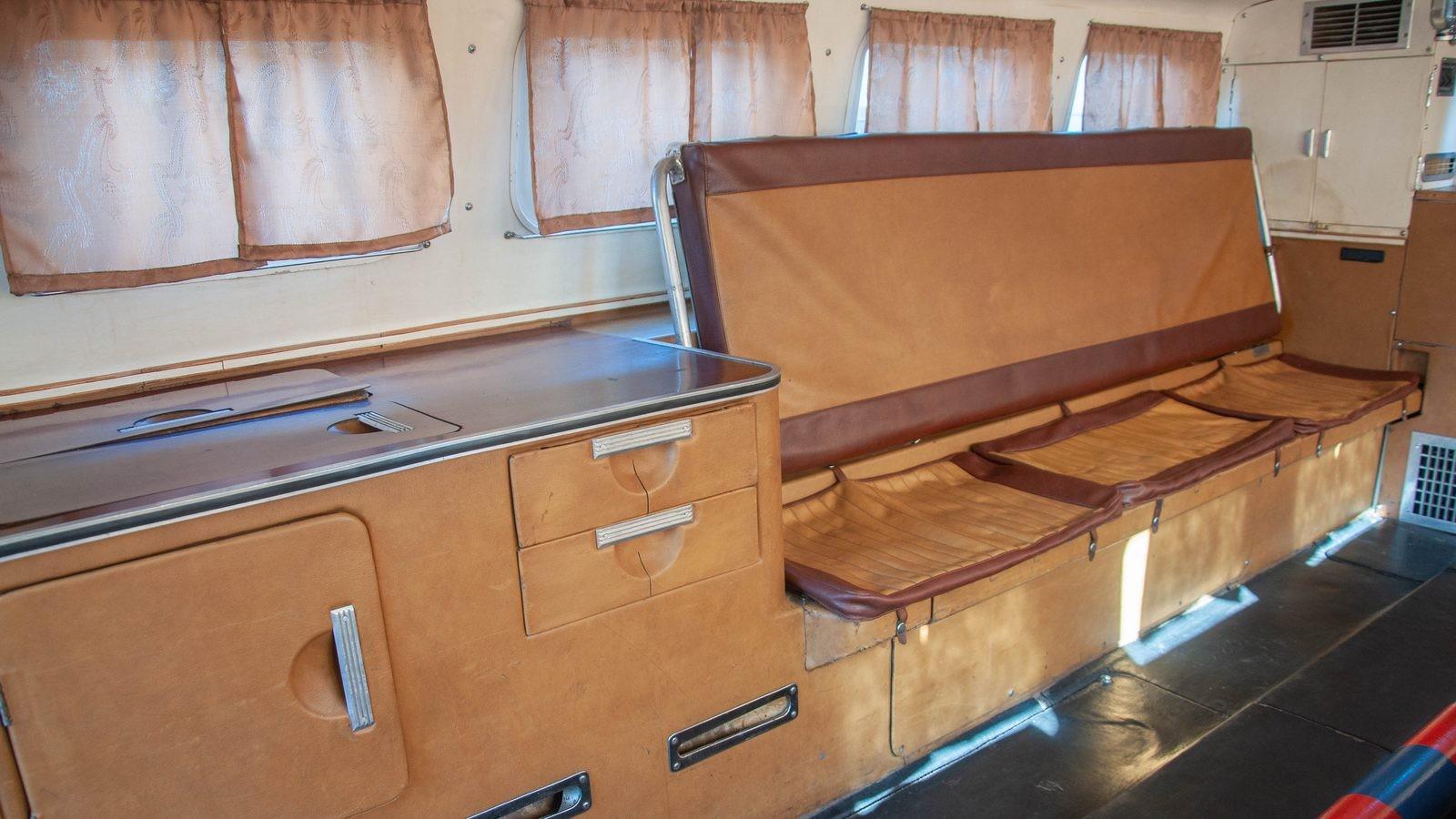 ЗИЛ-49061 Синяя Птица кабина внутри сидения