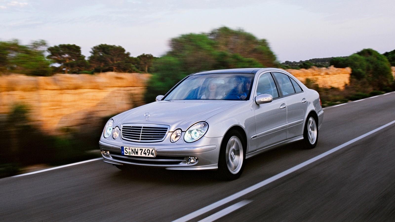 На фото: Mercedes-Benz (W211) '2002–06
