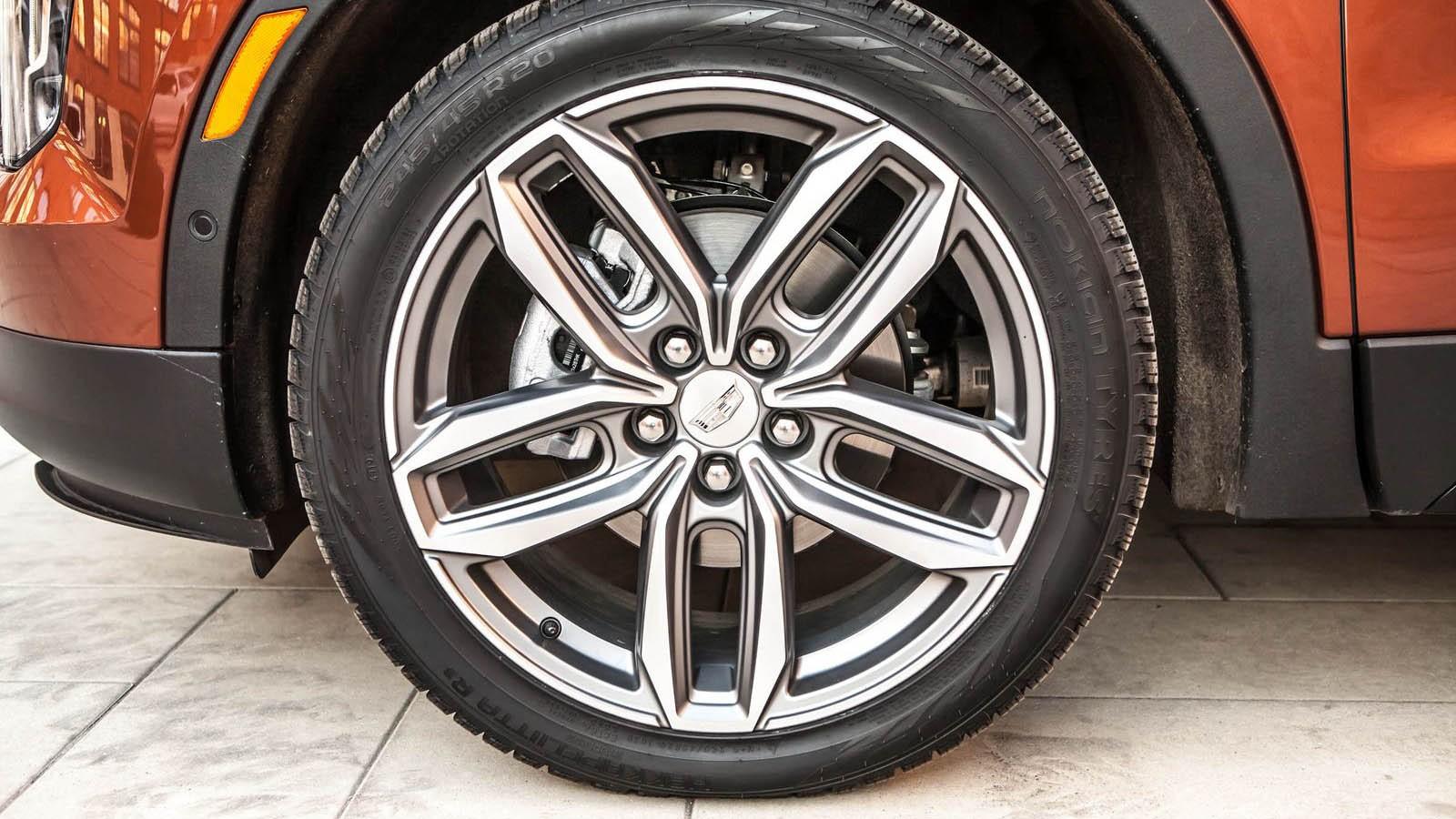 На базе Opel Insignia, мотор – с завода Opel. Это и есть Opel? Экспресс-тест Cadillac XT4