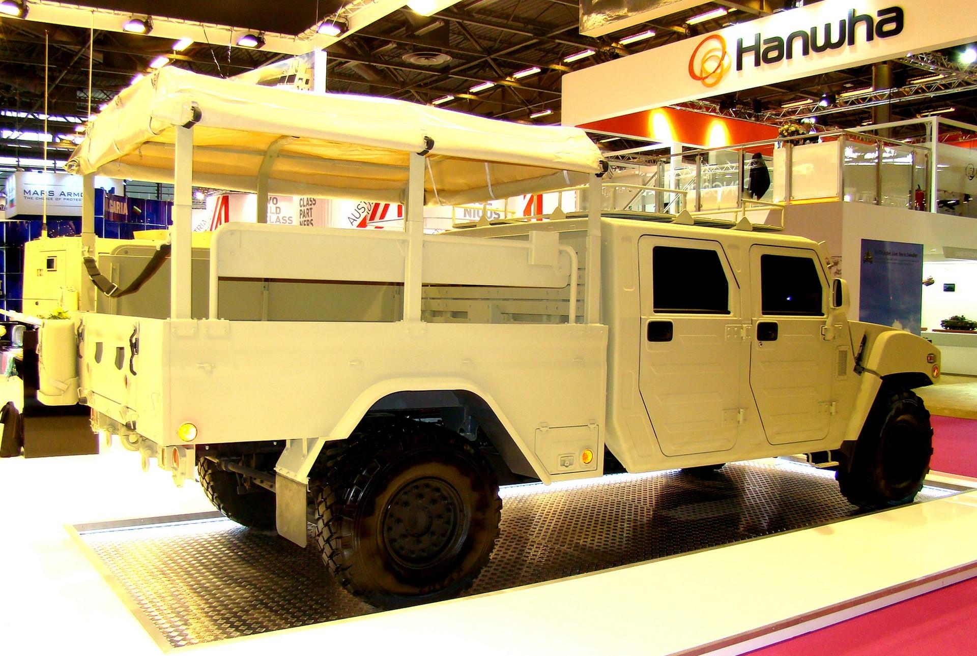 Армейский пикап Kia LTV с двойной кабиной и 10-местным кузовом