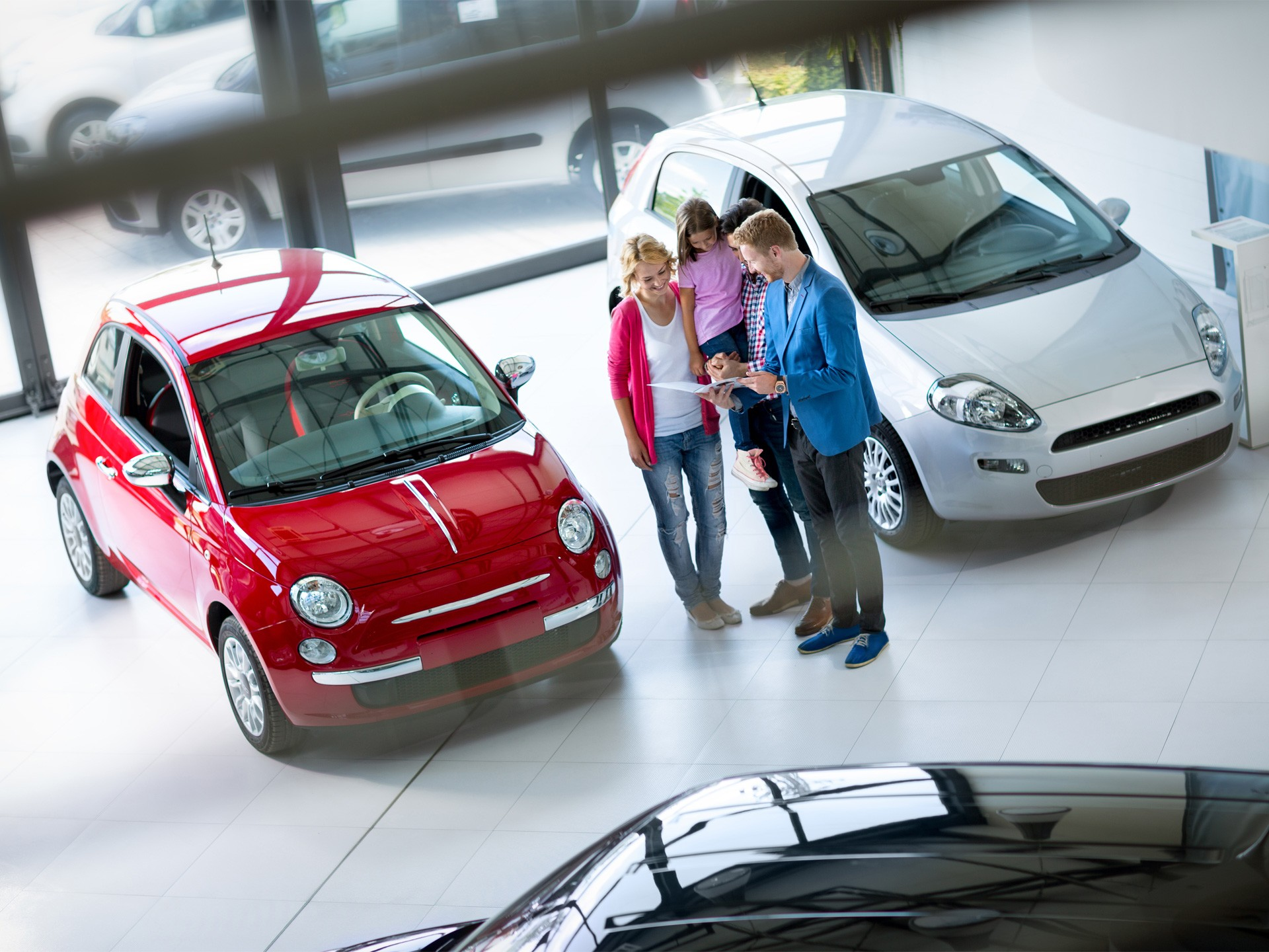 Авито Авто: эксперты подсчитали, сколько месяцев потребуется российской семье, чтобы накопить на подержанный автомобиль
