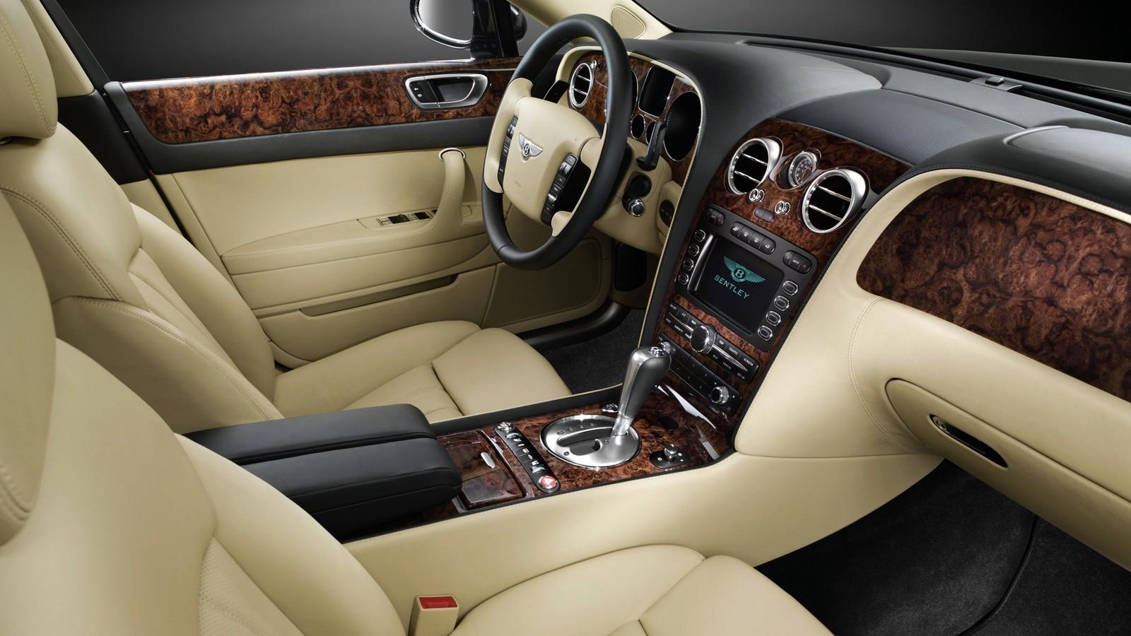 Bentley Continental Flying Spur салон