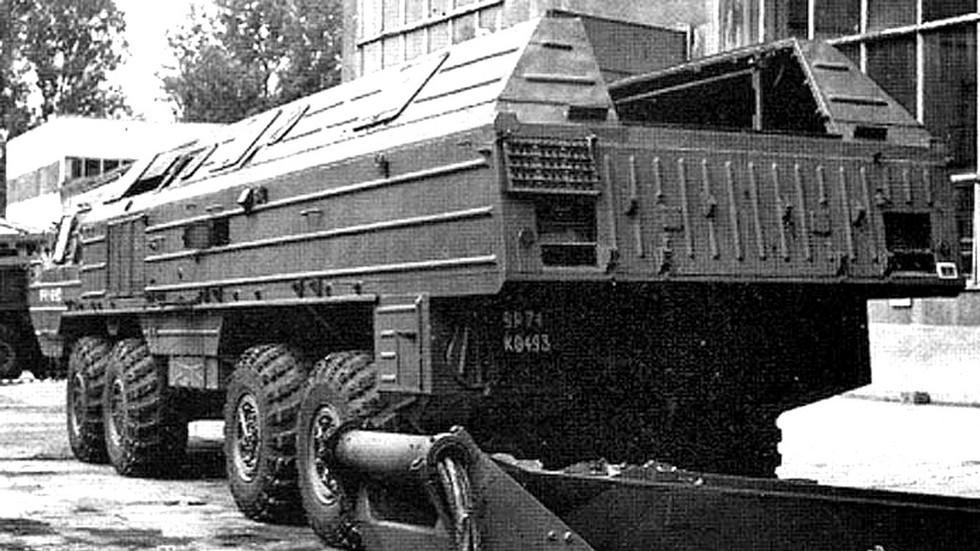 Машина БАЗ-6944 в процессе утилизации в Болгарии. 2002 год (из архива А. Андреева)