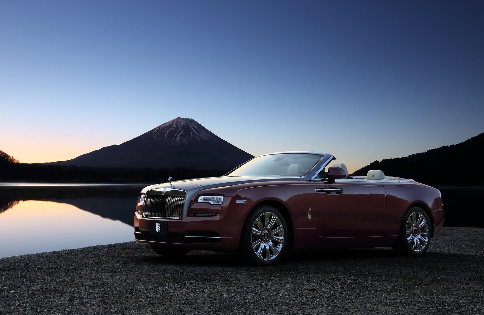 На фото: Rolls-Royce Dawn