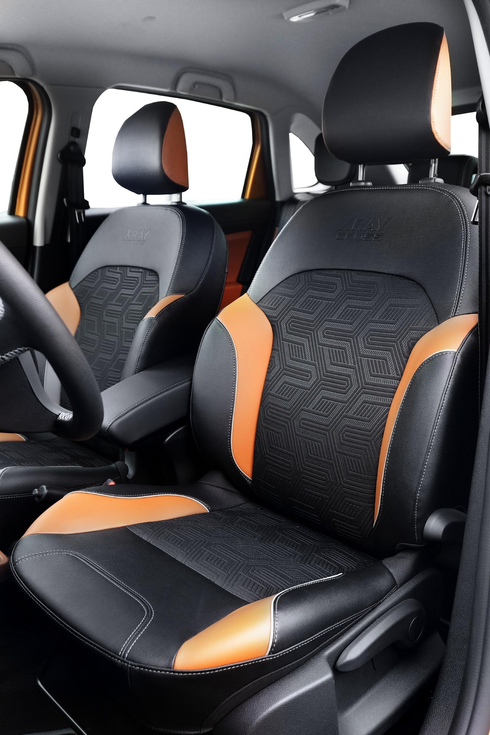 LADA XRAY CROSS передние сидения (2)