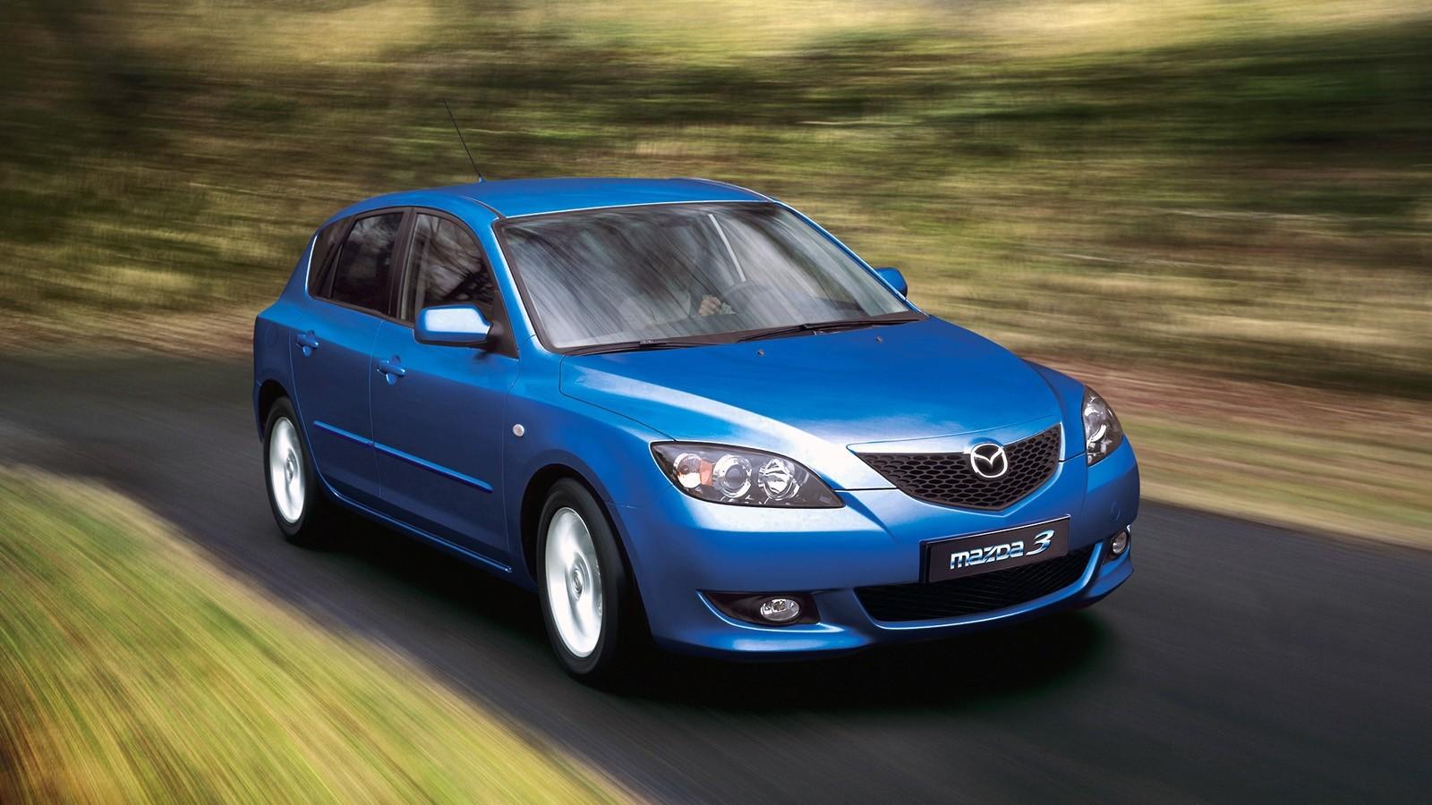 На фото: Mazda3 Hatchback (BK) '2003–06