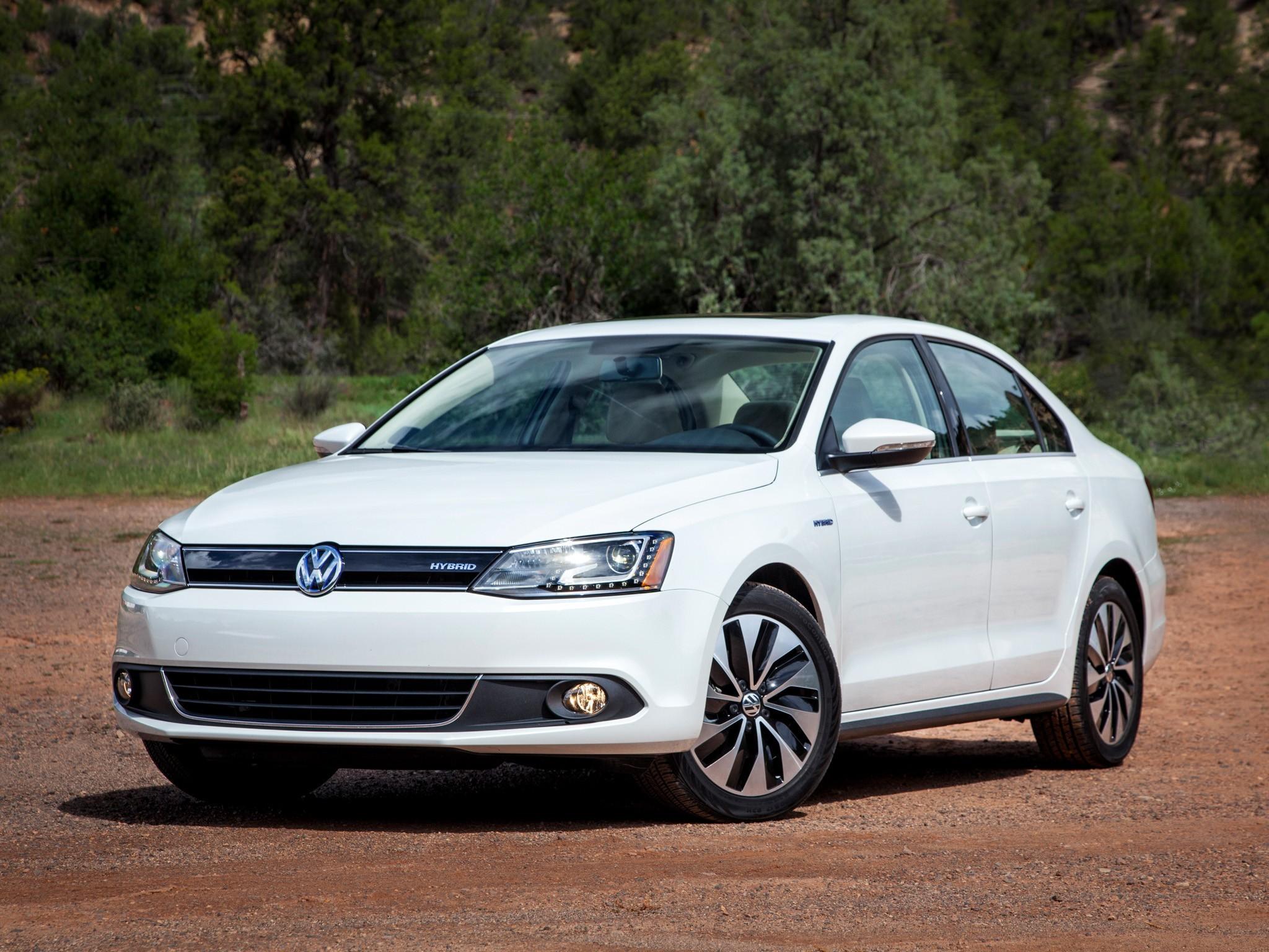 На фото: Volkswagen Jetta Hybrid