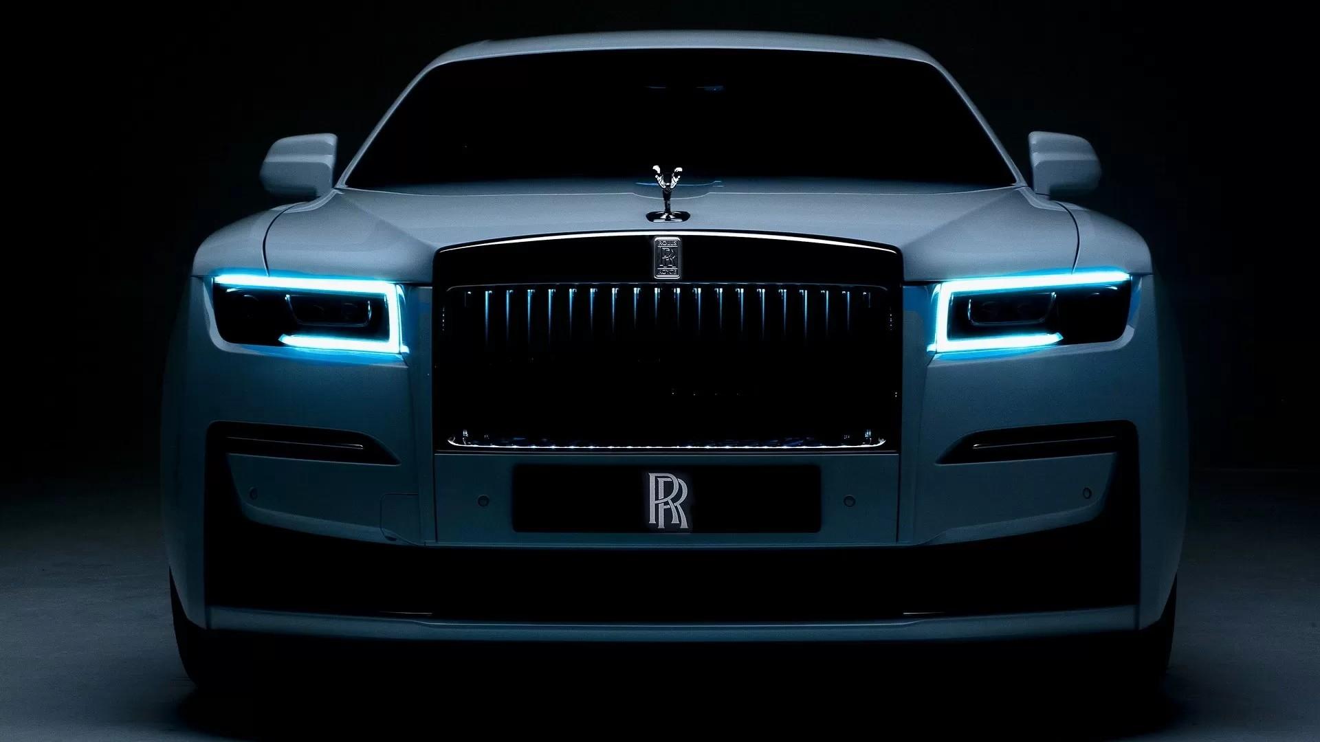 Дух Маразма против Духа Экстаза: Rolls-Royce вынужден загасить светящуюся статуэтку
