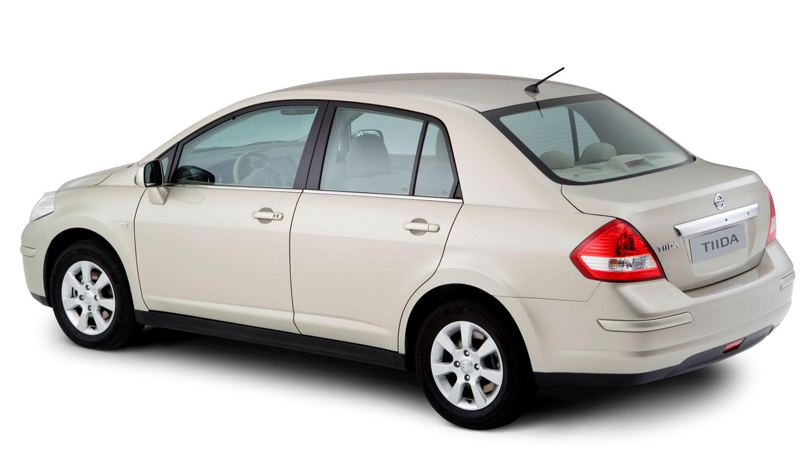 Nissan Tiida Sedan '2007–10