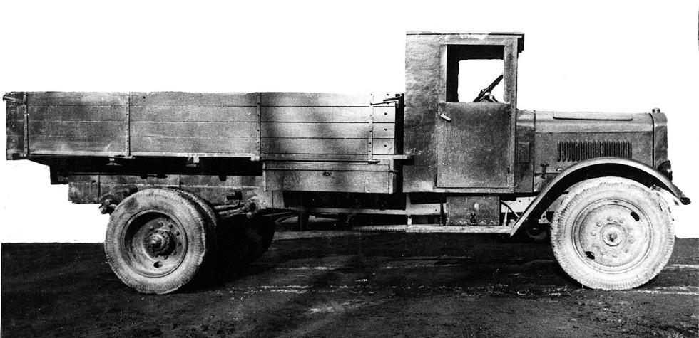 Опытный пятитонный грузовик Я-НАТИ-7