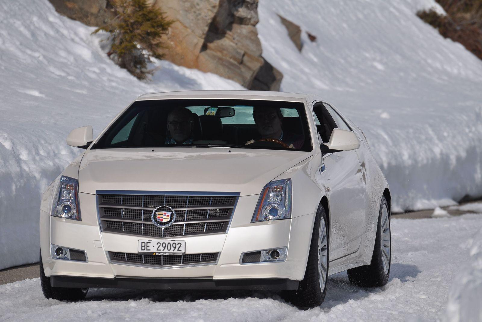 Заморские запчасти и автомат, как у УАЗ Патриот: стоит ли покупать Cadillac CTS II за 900 тысяч