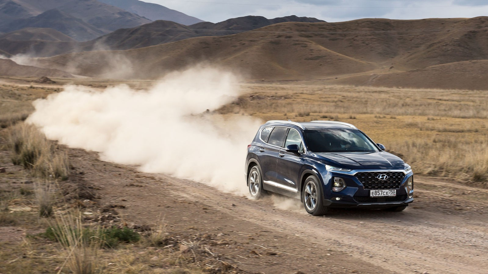 Hyundai-Santa-Fe-в динамике4