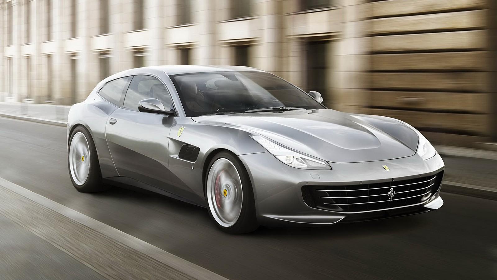 На фото: Ferrari GTC4Lusso T