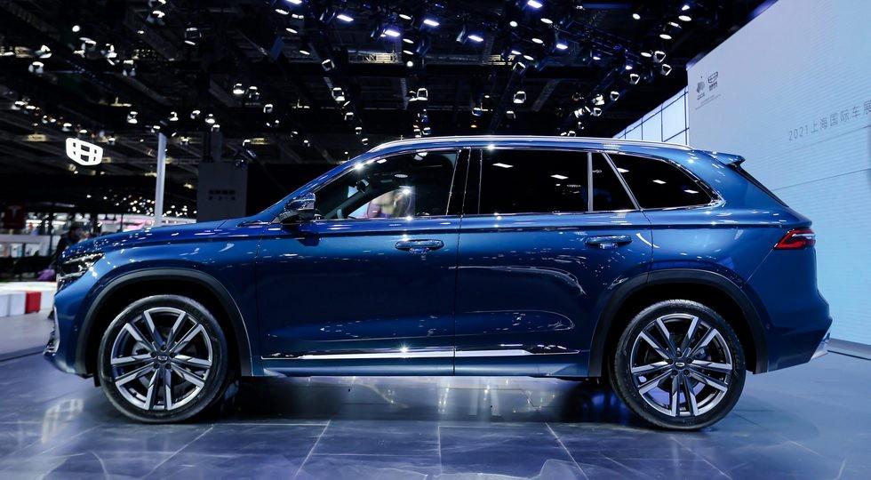 Кросс Geely с начинкой Volvo, обещанный и РФ: самый дорогой в гамме, но дешевле Tiguan и RAV4