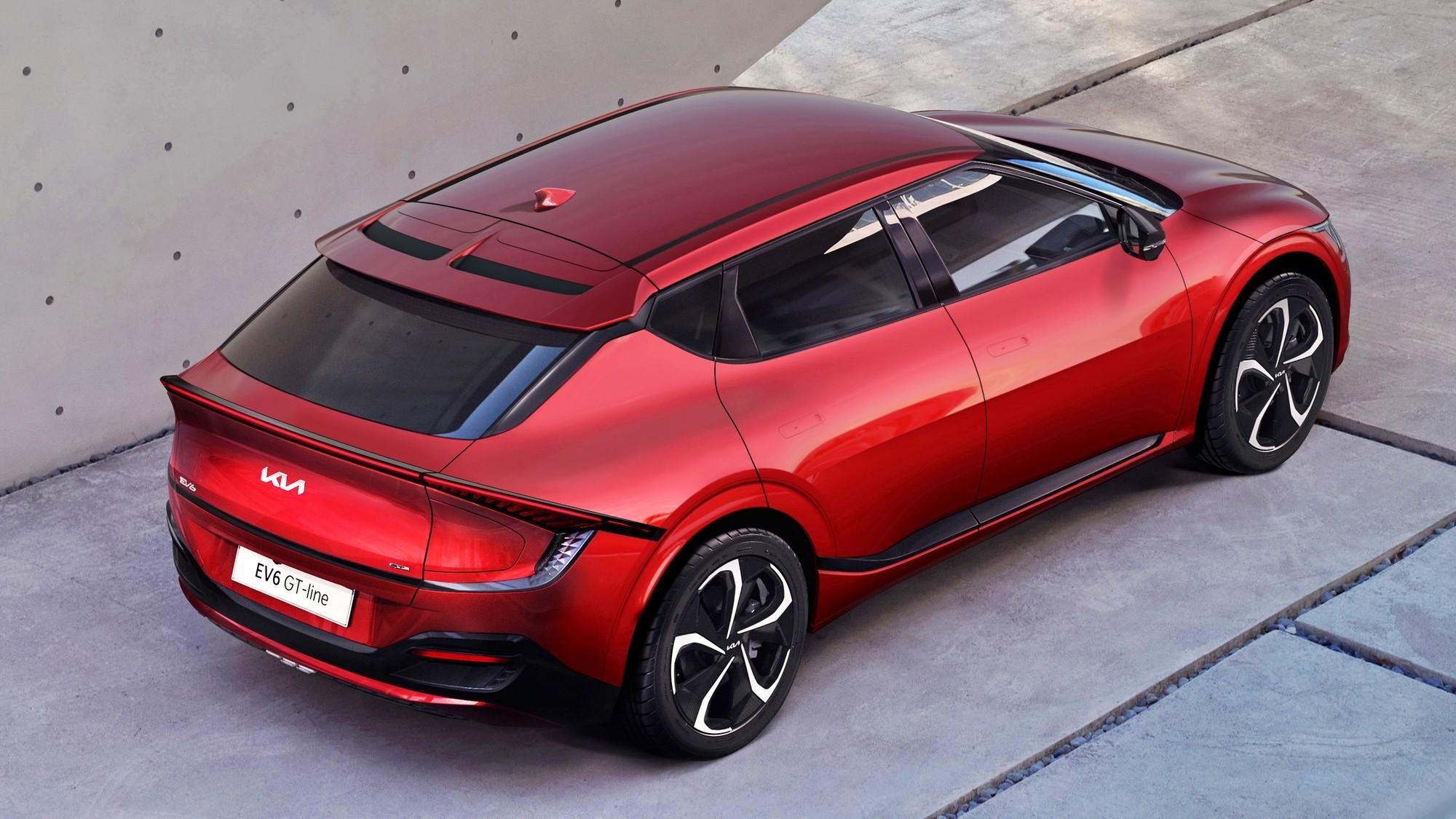 Подробности о Kia EV6: теснее, чем Hyundai Ioniq 5, зато есть спортивная версия GT