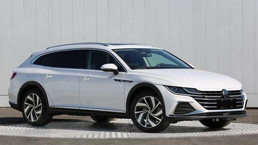 Игра в интригу продолжается: Volkswagen засветил обновлённый Arteon в тизере