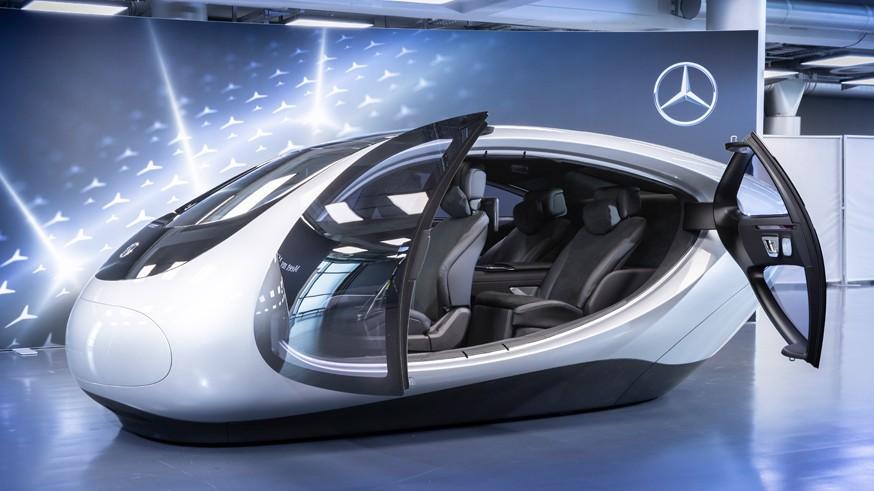 Интерьер нового Mercedes-Benz S-Class: с экранами для пассажиров сзади и проекционным дисплеем