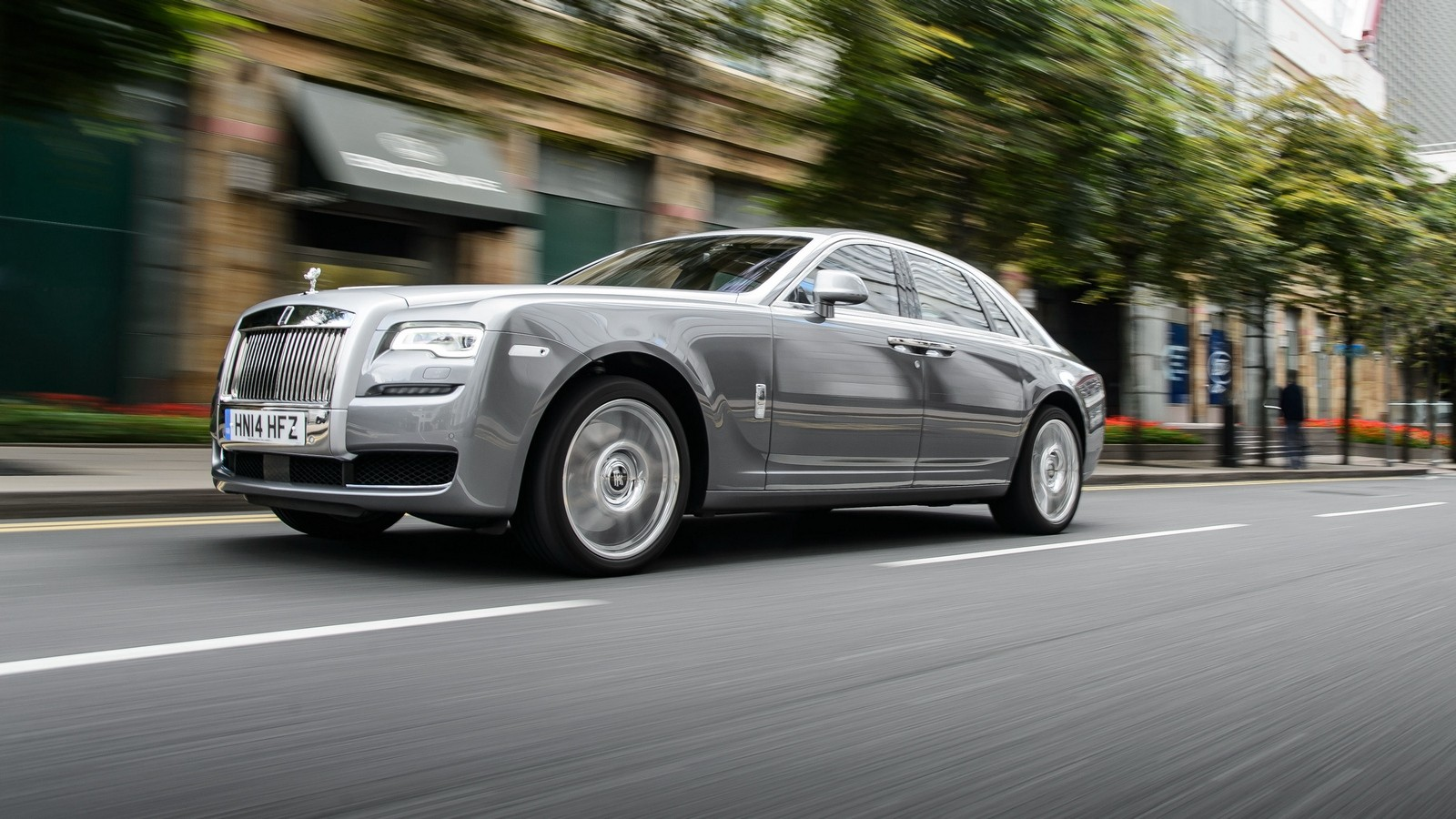 На фото: Rolls-Royce Ghost '2014–н.в.