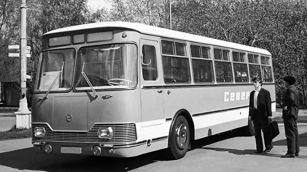 На фото: ЛиАЗ 677А